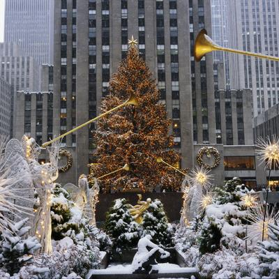 new york city holiday events christmas in nyc rockefeller center - New York Christmas Decorations
