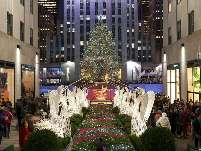 Christmas Tree Lighting 2017 | Front & Center at Rockefeller Center